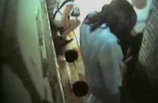 Geheime camera op vrouwentoilet